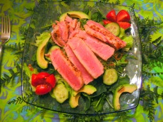 Seared tuna with salad